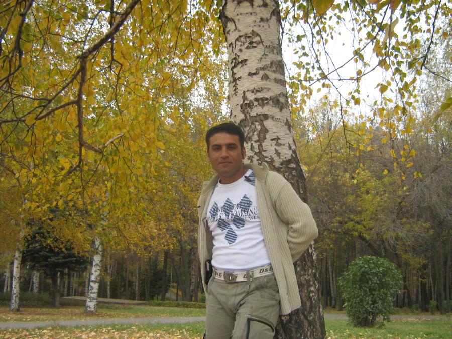 sinan, 40, Kirkuk, Iraq