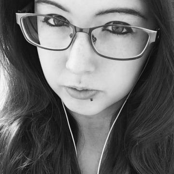 Savana, 23, Edmonton, Canada