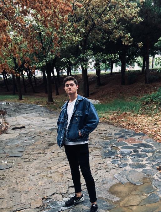 Mert Özel, 21, Izmir, Turkey