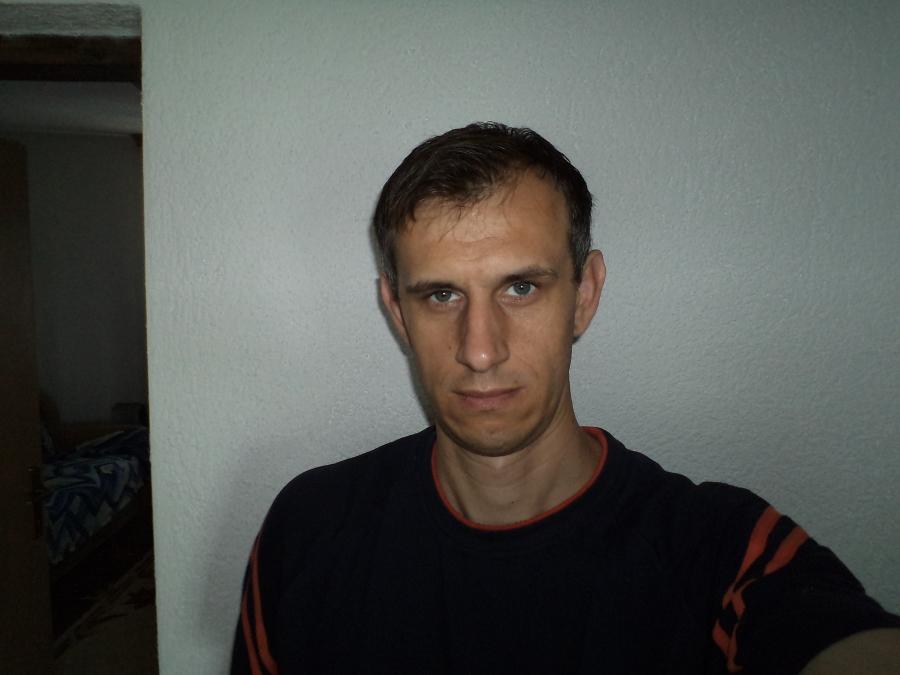 Nevzo, 44, Sarajevo, Bosnia and Herzegovina