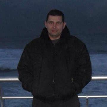 Mostafa Itani, 42, Beyrouth, Lebanon