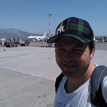 Scott Sheahen, 35, Dubai, United Arab Emirates