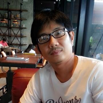 Apichai Thongngern, 40, Bangkok, Thailand
