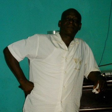 peters, 56, Lome, Togo