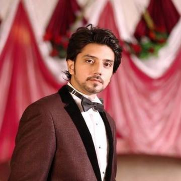 Shoby shah, 35, Hyderabad, Pakistan
