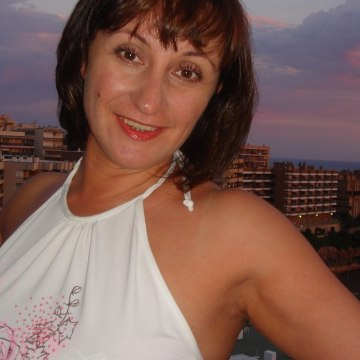 Denira, 47, Dubai, United Arab Emirates
