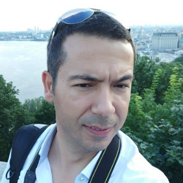 Hakan Ozcelik, 41, Adana, Turkey