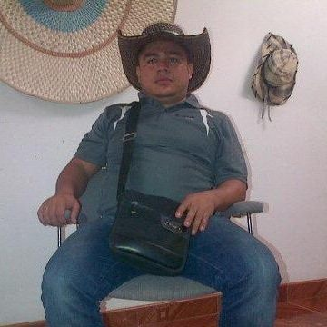 Janer, 38, Bucaramanga, Colombia
