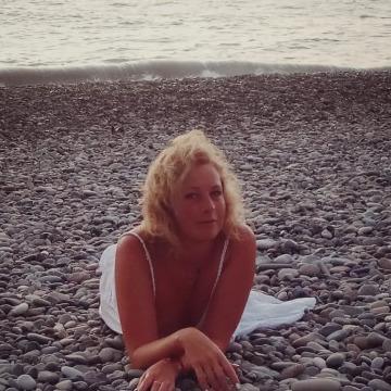 Вероника, 40, Saint Petersburg, Russian Federation