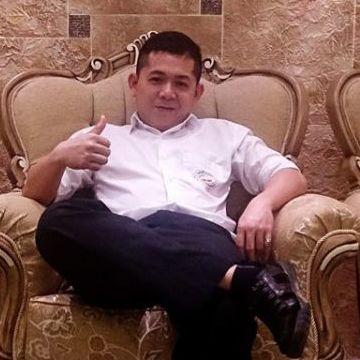 Marvin Bueno, 33, Yanbu Al Sinaiyah, Saudi Arabia