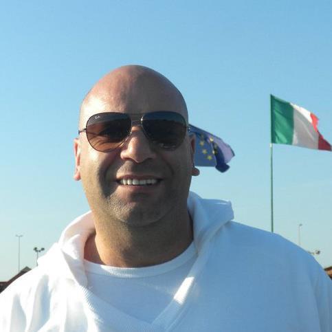 Brian Wood, 46, Ni Dilli, India
