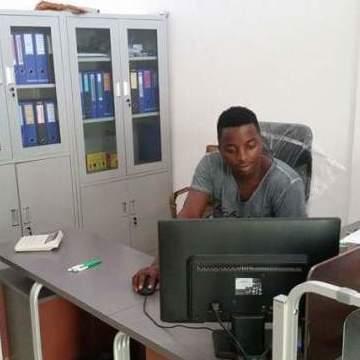 mak manamane, 30, Luanda, Angola