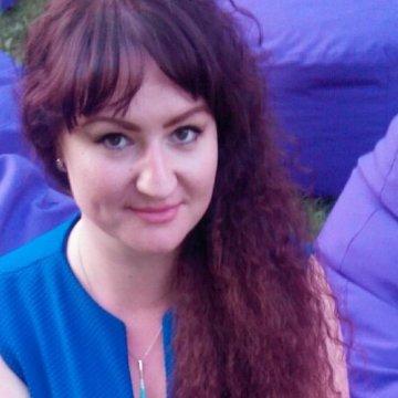 Uliana Dyshuk, 30, Kolomyya, Ukraine