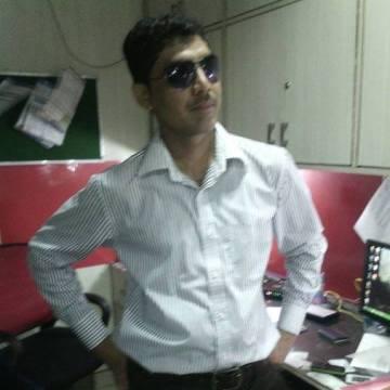 Ravi Tripathi, 32, Ni Dilli, India