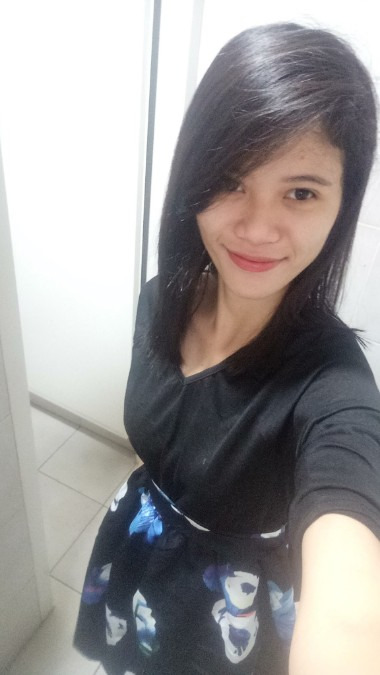 Jheanel Iacnegeled, 25, Manila, Philippines