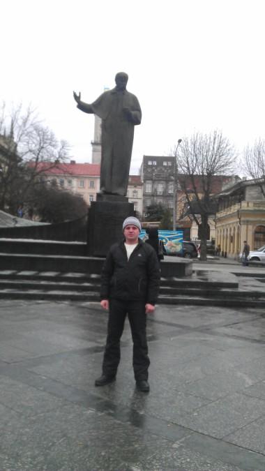 Volodymyr Osychenko, 43, Dnipro, Ukraine
