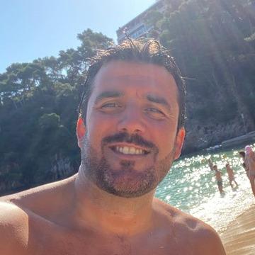 Christian Farre, 38, Barcelona, Spain