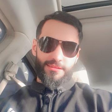 KHALID, 32, Riyadh, Saudi Arabia