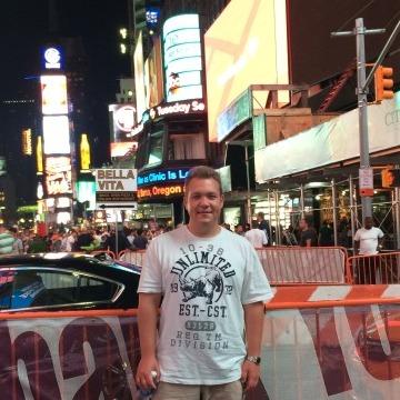 Stan Makarenko, 34, Anchorage, United States
