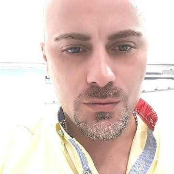 Geo Saade, 41, Beyrouth, Lebanon