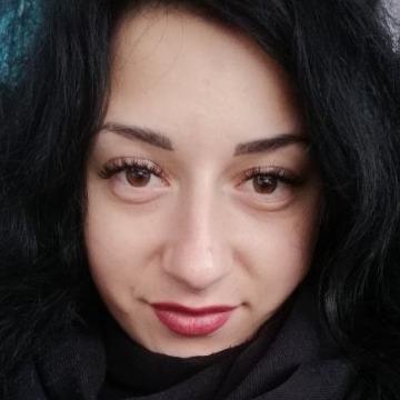 Lenka, 28,