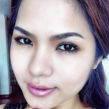 Nina Lee, 34, Hanoi, Vietnam