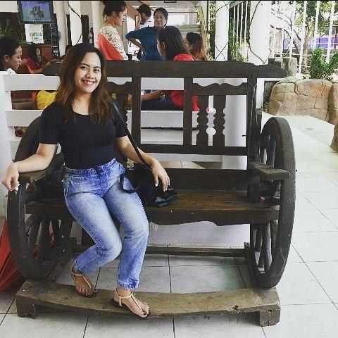 Pie Diaz, 26, Cebu, Philippines