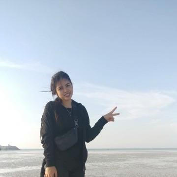 Jasmin, 29, Abu Dhabi, United Arab Emirates