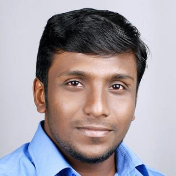 Navab Zain, 30, Dubai, United Arab Emirates