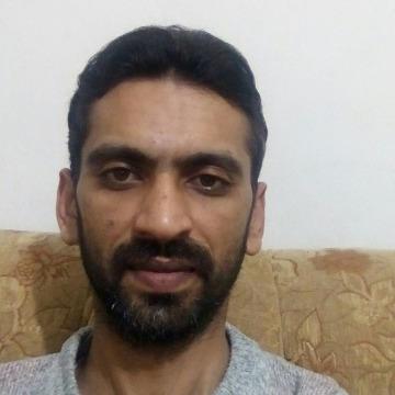 Ghufran, 33, Istanbul, Turkey