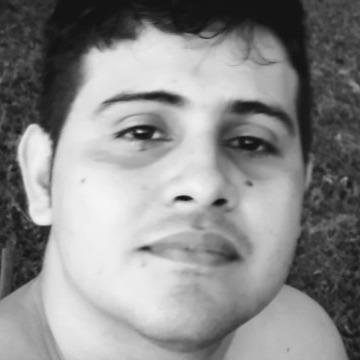 Augusto Marques, 25, Manaus, Brazil