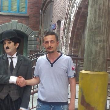 Kemal tunc, 36, Istanbul, Turkey
