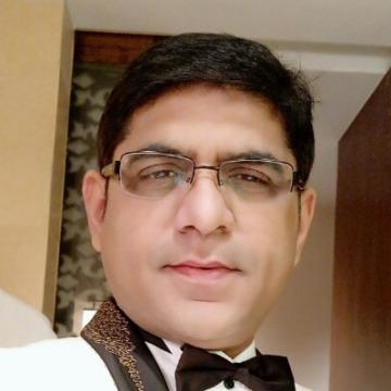 Nijaal, 37, Mumbai, India