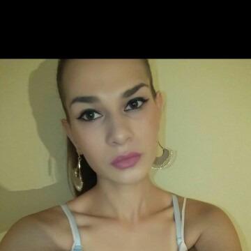 Tijana, 22,