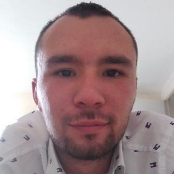 Luis, 26, Bogota, Colombia