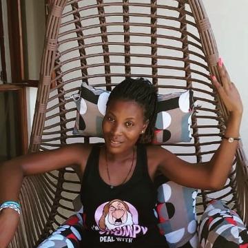 Emily, 26, Mombasa, Kenya
