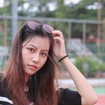 Fah, 25, Phuket, Thailand