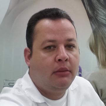 mazen tawfek, 45, Kuwait, Iraq