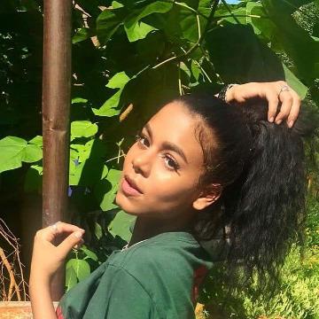 Ruthy, 20, Nairobi, Kenya