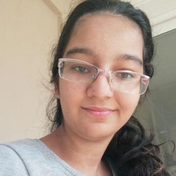 Tuana, 21, Izmir, Turkey