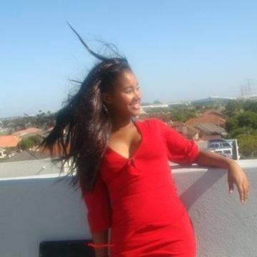 Stell O, 28, Dakar, Senegal