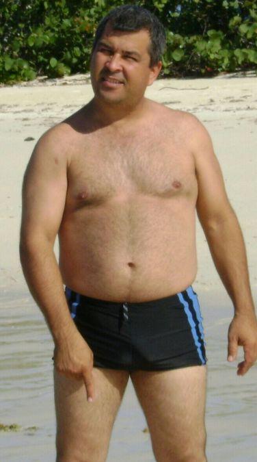 RODRIGO, 53, Las Vegas, United States