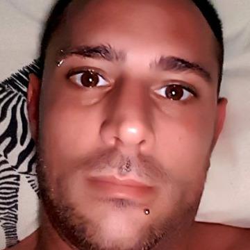 Balázs, 33,