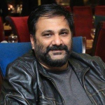 Umais Alamgir, 44, Karachi, Pakistan
