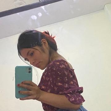 Maria Elena, 22, Lima, Peru