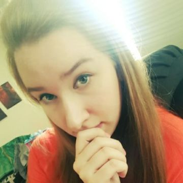 Nicole, 25, Harrison Township, United States