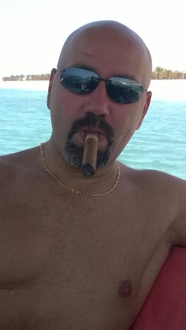 jad, 50, Abu Dhabi, United Arab Emirates