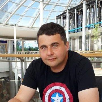 Alex Lerner, 46, Tel Aviv, Israel