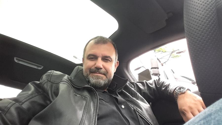 Ufuk, 44, Istanbul, Turkey