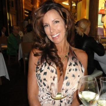 sharon, 44, Cape Town, South Africa